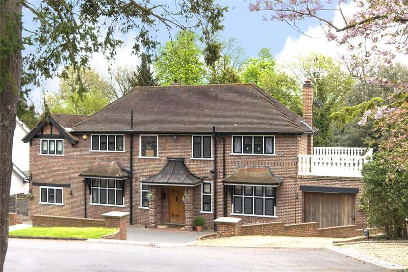 5 Bedrooms Detached House for sale in Pelhams Walk, Esher, Surrey, KT10
