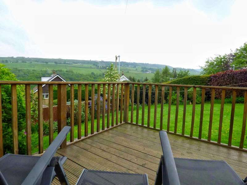 4 Bedrooms Detached House for sale in Shaw Lane, Holmfirth, West Yorkshire, HD9