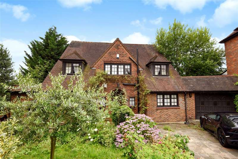 5 Bedrooms Detached House for sale in Woodland Way, Woodford Green, Essex, IG8