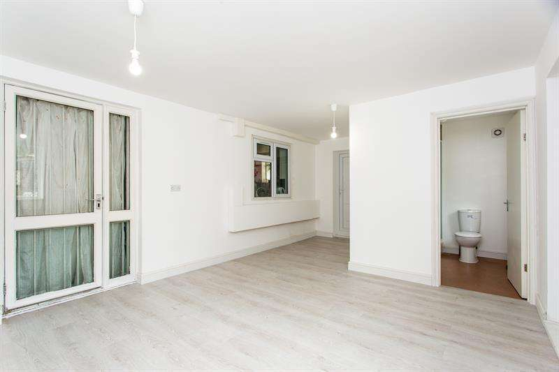 4 Bedrooms Terraced House for sale in Norbroke Street, Shepherds Bush, W12