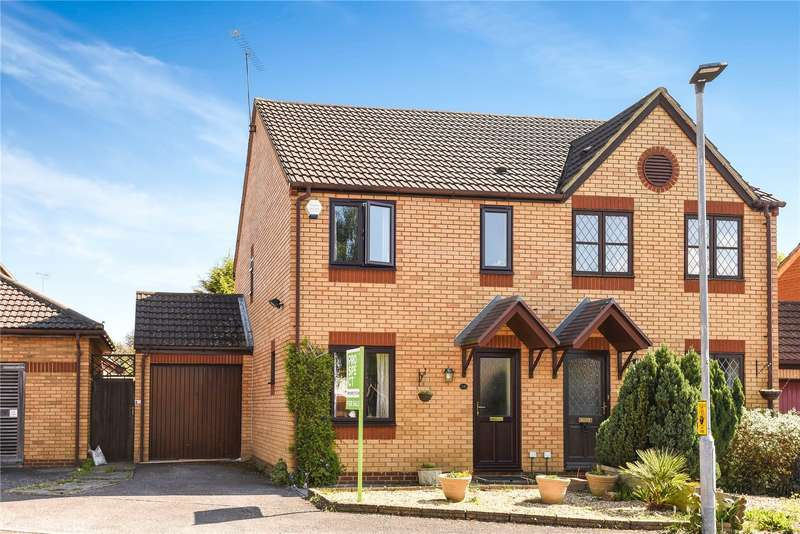 3 Bedrooms Semi Detached House for sale in Thorburn Chase, College Town, Sandhurst, Berkshire, GU47