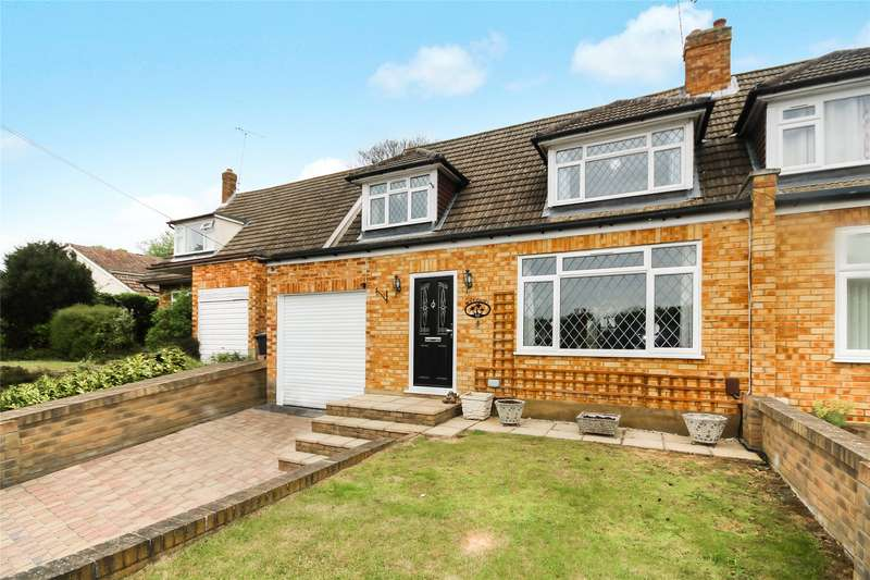 4 Bedrooms Semi Detached House for sale in Howards Lane, Rowtown, Surrey, KT15