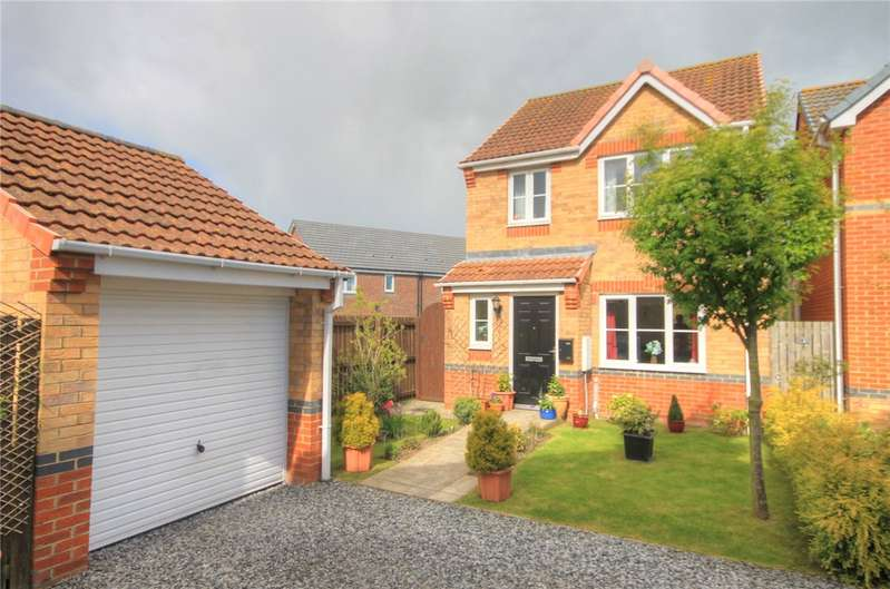 3 Bedrooms Detached House for sale in Balmoral Drive, Catchgate, Stanley, DH9