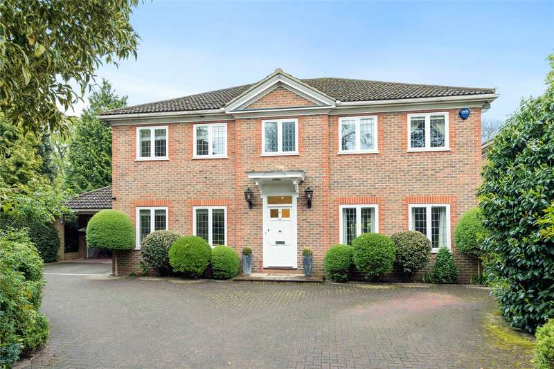 5 Bedrooms Detached House for sale in Rosslyn Park, Weybridge, Surrey, KT13