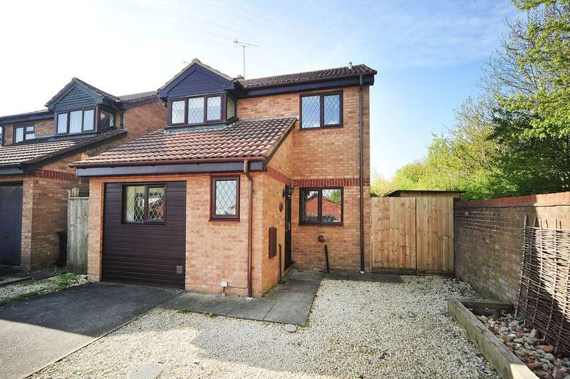 4 Bedrooms Detached House for sale in Lichen Close, Woodhall Park