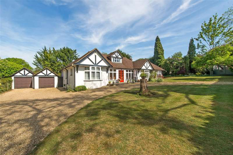 2 Bedrooms Detached Bungalow for sale in The Downs, Leatherhead, Surrey, KT22