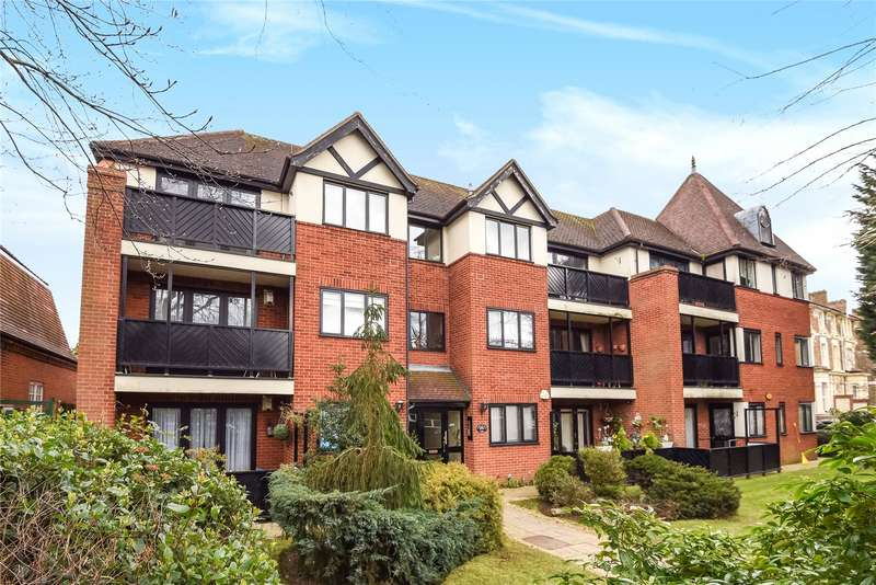 2 Bedrooms Flat for sale in Lords Bushes Court, 700 High Road, Buckhurst Hill, Essex, IG9