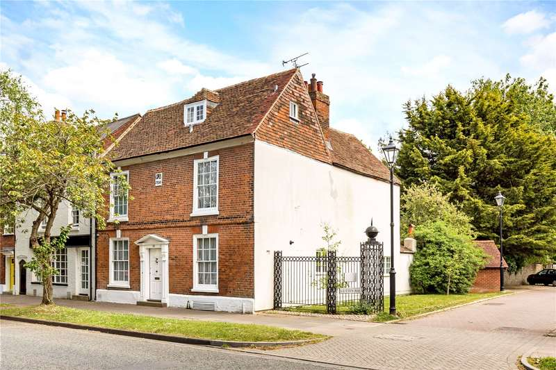 5 Bedrooms Terraced House for sale in St. Pancras, Chichester, West Sussex, PO19