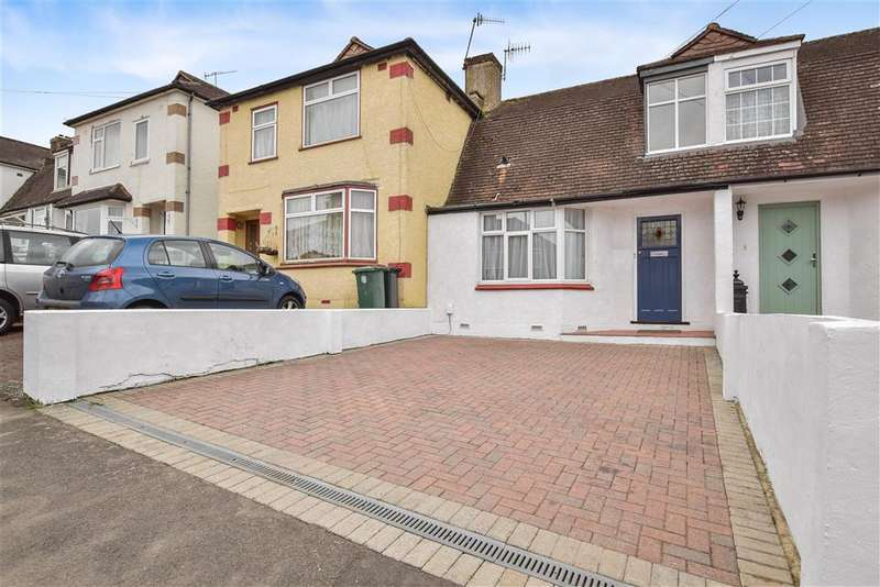 2 Bedrooms Terraced House for sale in Prince Albert Square, Redhill, Surrey