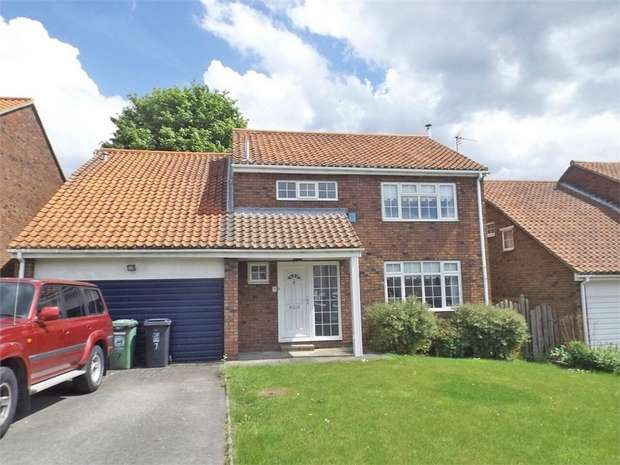 4 Bedrooms Detached House for sale in The Paddock, Elwick, Hartlepool, Durham