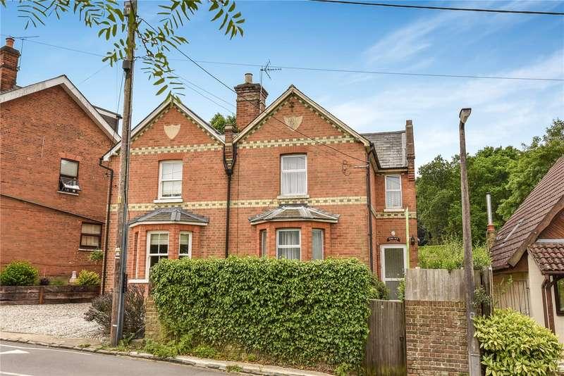 3 Bedrooms Semi Detached House for sale in Victoria Villas, High Street, Little Sandhurst, Sandhurst, GU47