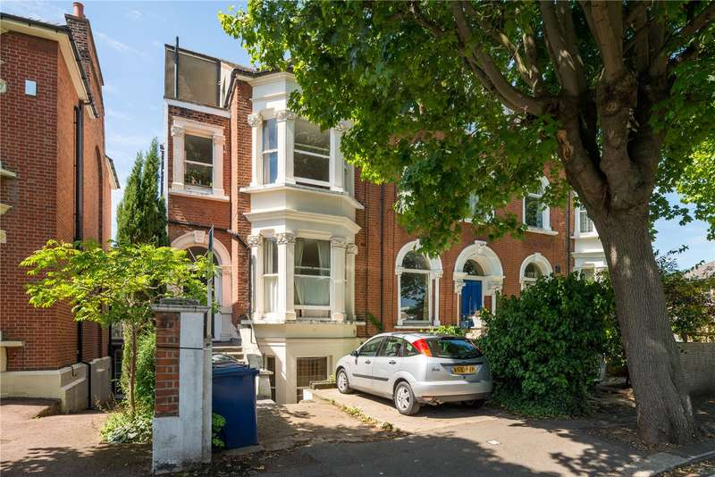 1 Bedroom Flat for sale in Avenue Crescent, London, W3