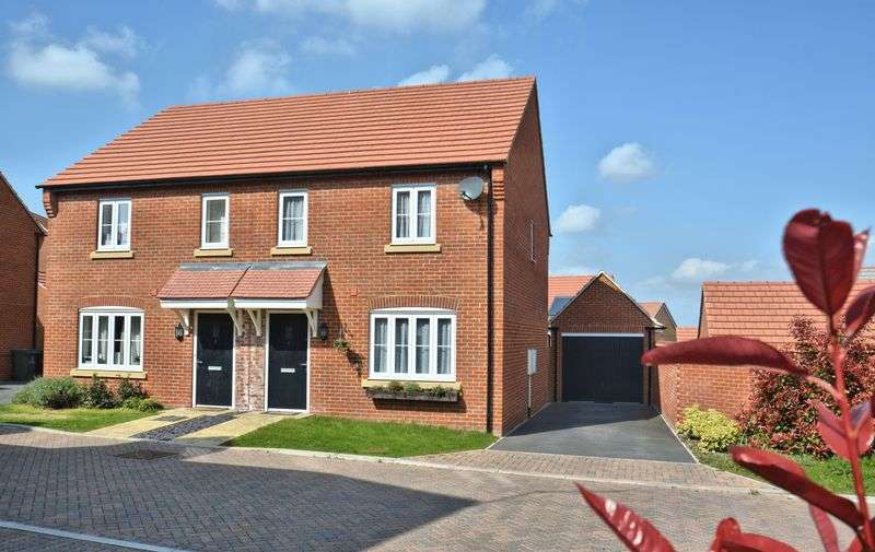 3 Bedrooms Property for sale in Felix Road, Didcot