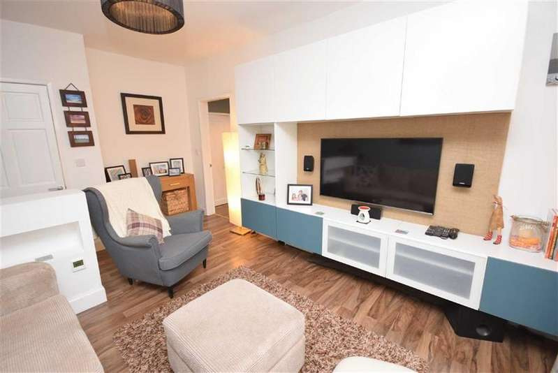 3 Bedrooms Semi Detached House for sale in Rakeshouse Road, Nelson, Lancashire