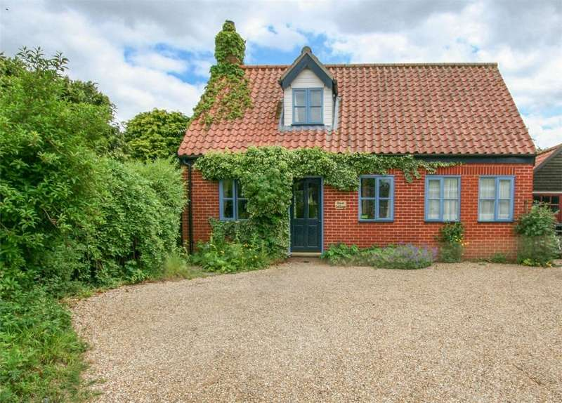 3 Bedrooms Cottage House for sale in Gallants Lane, East Harling, Norfolk