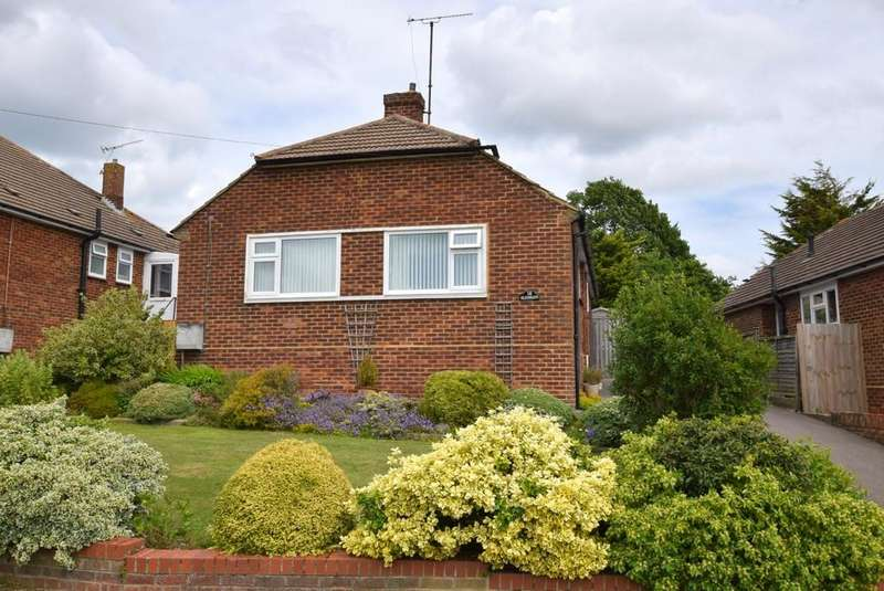 2 Bedrooms Detached Bungalow for sale in Strode Park Road, Herne Bay