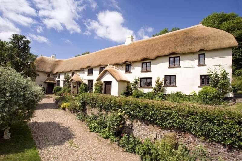 5 Bedrooms Detached House for sale in Morchard Bishop, Crediton, Devon, EX17