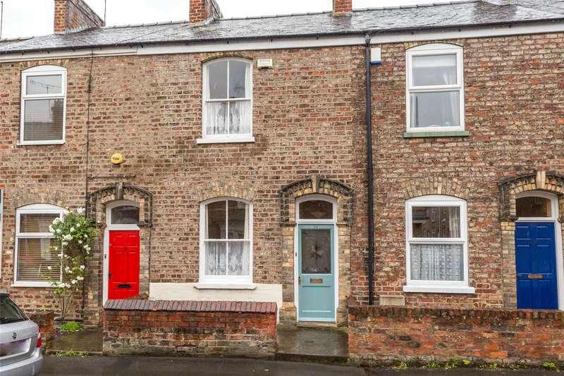 2 Bedrooms Terraced House for sale in Nicholas Street, York, YO10