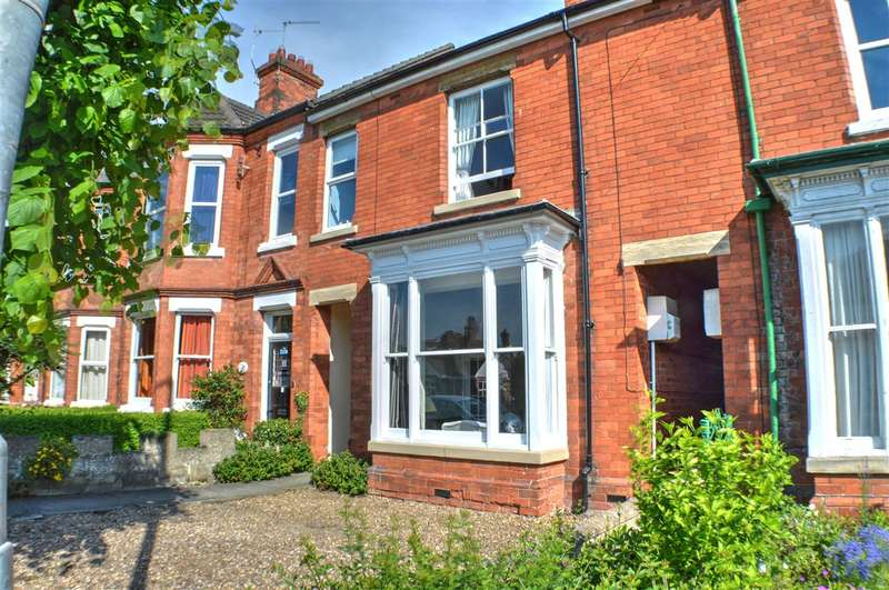 4 Bedrooms Terraced House for sale in Grantham Road, Sleaford