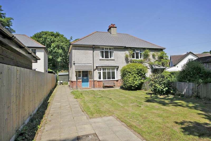 3 Bedrooms Semi Detached House for sale in Pound Lane, Burley, Ringwood