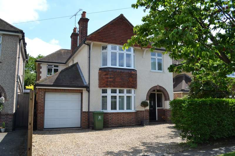 5 Bedrooms Detached House for sale in Byfleet Village