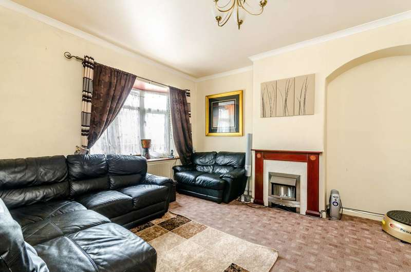 3 Bedrooms Terraced House for sale in Farmfield Road, Bromley, BR1