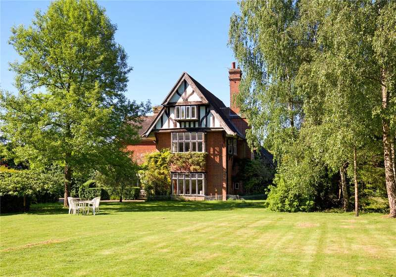5 Bedrooms House for sale in Broadbridge Heath Road, Broadbridge Heath, Horsham, West Sussex, RH12
