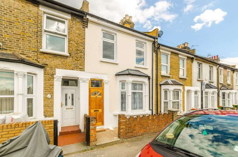 4 Bedrooms Terraced House for sale in Gough Road, Stratford, E15