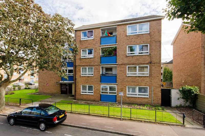 3 Bedrooms Flat for sale in Manor Park Road, Manor Park, E12