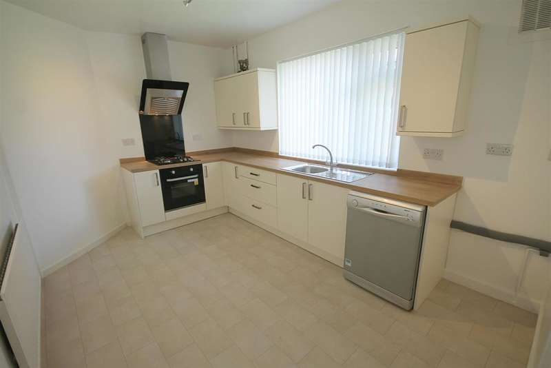 3 Bedrooms Semi Detached House for sale in Hillside Avenue, Farnworth, Bolton, BL4 9QB