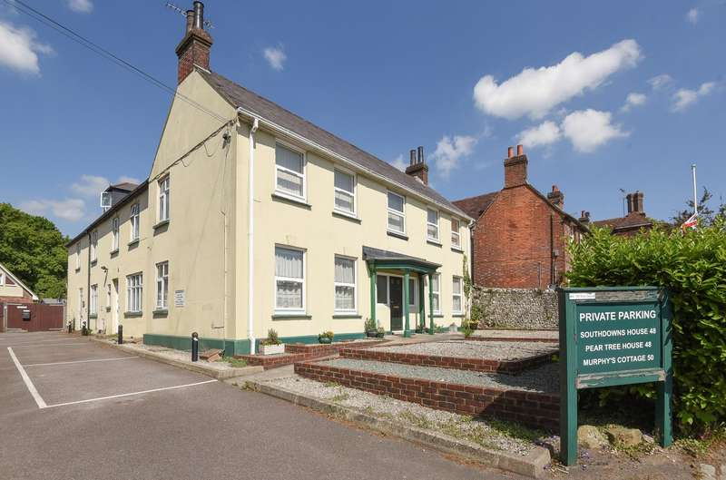 2 Bedrooms Flat for sale in West Street, Storrington, RH20
