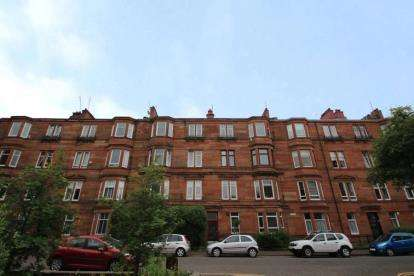 3 Bedrooms Flat for sale in Ledard Road, Glasgow, Lanarkshire