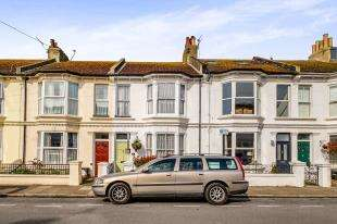 3 Bedrooms Terraced House for sale in Connaught Terrace, Hove, East Sussex