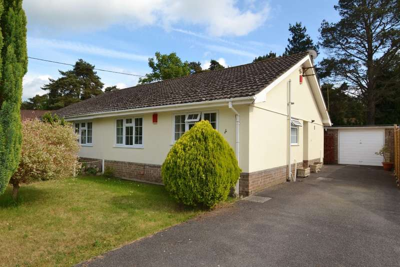 2 Bedrooms Bungalow for sale in Ashley Heath