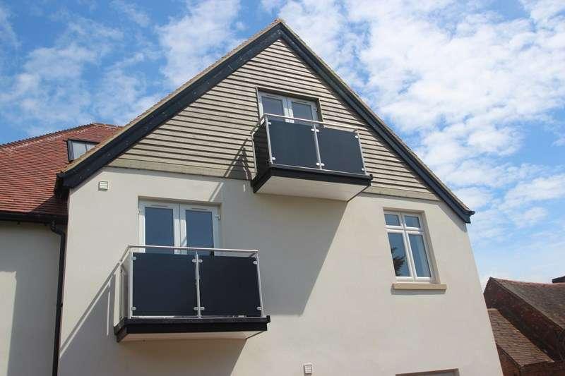 2 Bedrooms Apartment Flat for sale in High Street, Hamble, Southampton