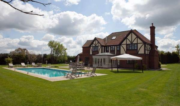 6 Bedrooms Detached House for sale in Gildenhall Rd, Swanley, Swanley, Kent, BR8 7PD