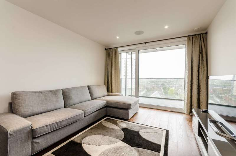 2 Bedrooms Flat for sale in Ingrebourne Apartments, Sands End, SW6
