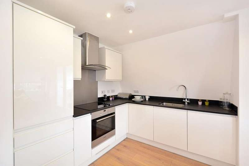 1 Bedroom Apartment Flat for sale in Empire Mews, 1 Hewison Street, E3