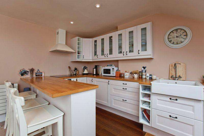 1 Bedroom Apartment Flat for sale in Steeles Road, Belsize Park, NW3