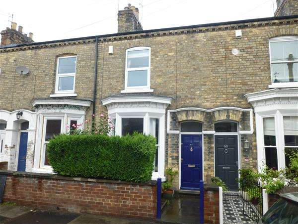 2 Bedrooms Terraced House for sale in Fountayne Street, York