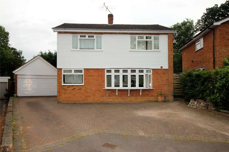 3 Bedrooms Detached House for sale in Ellis Farm Close, Woking, Surrey, GU22