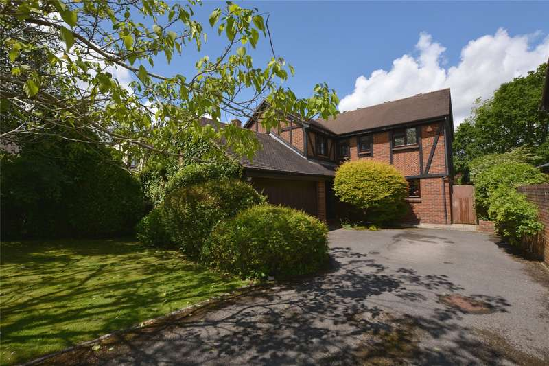 4 Bedrooms Detached House for sale in Farnleys Mead, Lymington, Hampshire, SO41