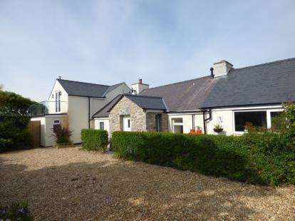 4 Bedrooms Detached House for sale in Llanfaethlu, Holyhead, Sir Ynys Mon, LL65