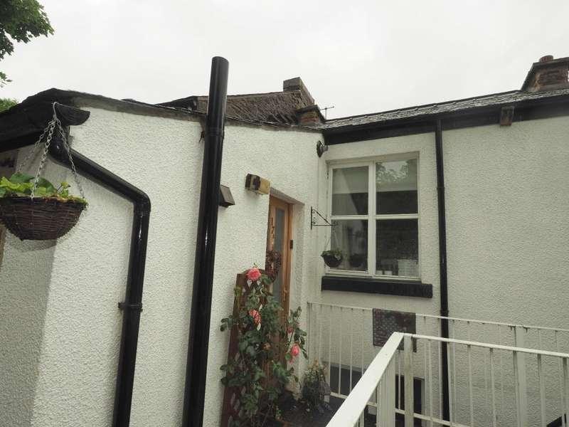 1 Bedroom Apartment Flat for sale in High Street, New Mills, High Peak, Derbyshire, SK22 4AL
