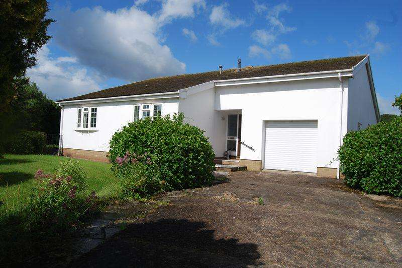 4 Bedrooms Bungalow for sale in The Coppice, Dawlish