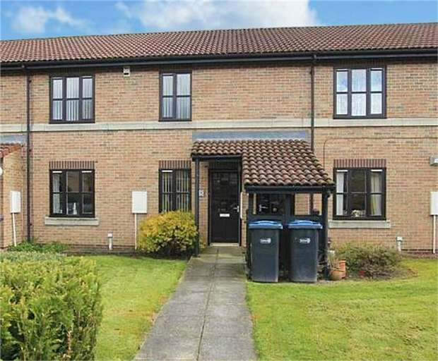 2 Bedrooms Flat for sale in Lyon Walk, Newton Aycliffe, Durham