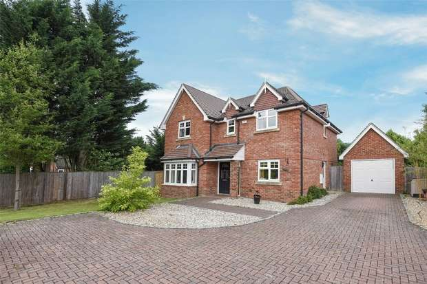 4 Bedrooms Detached House for sale in St Marys Road, SINDLESHAM, Berkshire