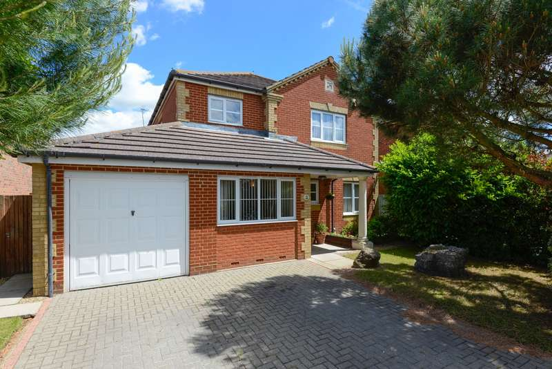 4 Bedrooms Detached House for sale in Burton Road, Kennington, Ashford, TN24