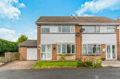 3 Bedrooms Semi Detached House for sale in Barnfield Road, Hyde, Greater Manchester, Hyde