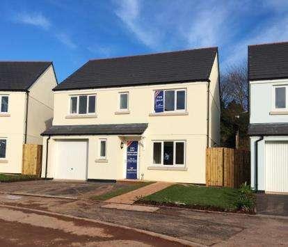 4 Bedrooms Detached House for sale in Dobwalls, Liskeard, Cornwall